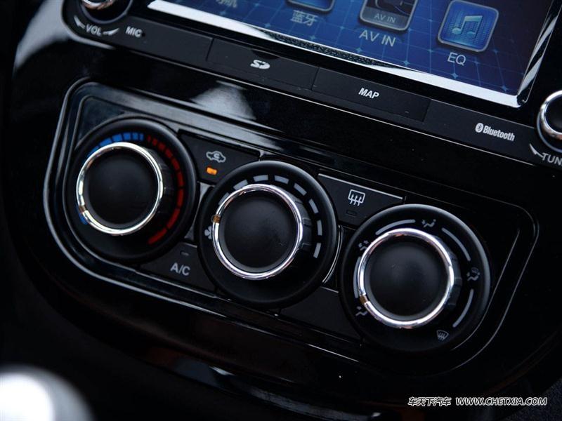 风行汽车 景逸x5 景逸x5 2015款 1.6l 尊享型 中控方向盘