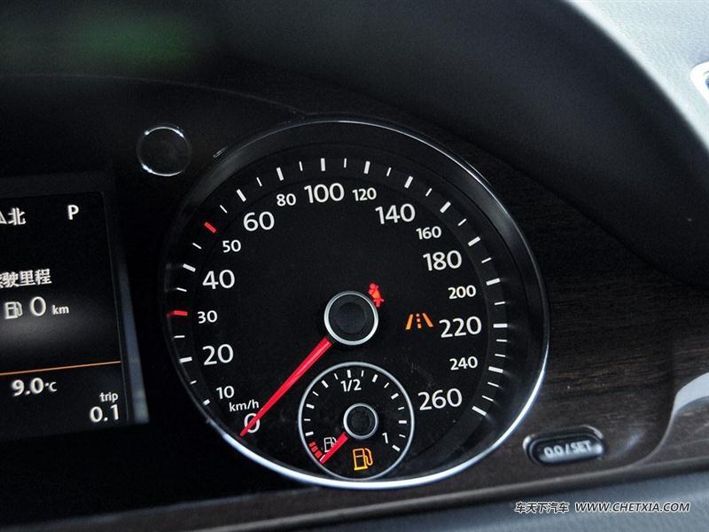 一汽大众 迈腾 迈腾 2015款 改款 2.0tsi 旗舰型 中控方向盘