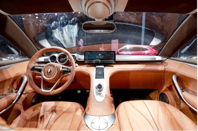 在变革的汽车产业环境下,他们逐渐女性化 - 品牌新事-第8张图片-汽车笔记网