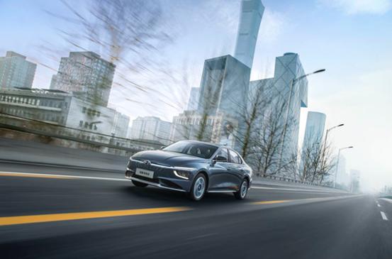 想买高级电动汽车?除了Model 3还可以看看名图纯电动-第2张图片-汽车笔记网